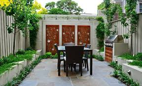 Backyard Fence Decor How To Beautify Your House Outdoor Wall Ideas
