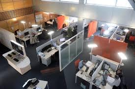 bureaux entreprise entreprise l open space nuit il aux salariés