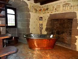 chambre d h es insolite séjour romantique chambres médiévales à 1h du puy du fou et du