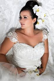 hire wedding dresses 11 best exceptional plus size wedding dresses sizes 6 22 images