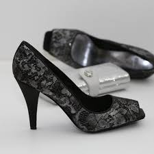 wedding shoes black complementing your colored wedding gown with black wedding shoes