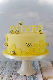 best 25 bee birthday cake ideas on pinterest bumble bee cake