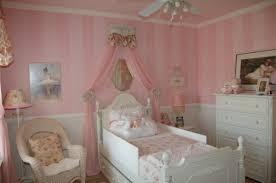 chambre petit fille décoration d une chambre de princesse archzine fr