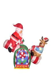 Outdoor Snoopy Christmas Decorations Canada by 13 Best Inflatables Images On Pinterest Christmas Decorations
