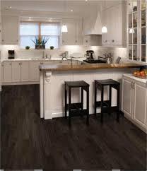 plancher cuisine bois incroyable plancher de vinyle de cuisine 16 plancher cuisine bois