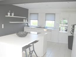 cuisine blanche laquee cuisine blanche laquée luxe incroyable cuisine blanc laque et gris