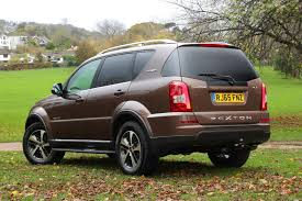 ssangyong rexton suv 2016 2017 photos parkers