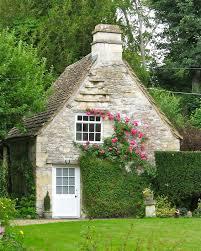 http hotrocksglassjewels blogspot com 2011 08 charming cottages