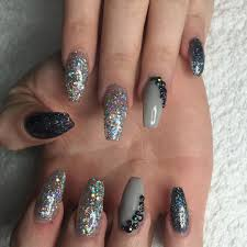 27 glitter nails design glitter nail art for a look that will get