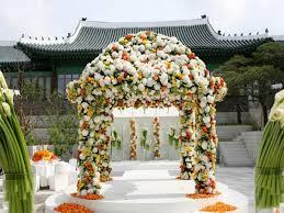 location arche mariage on a trouvé l arche fleurie pour votre cérémonie laïque
