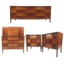 Mid Century Modern Furniture Stores by Mid Century King Bed Frame Tags Mid Century Modern Bedroom Set