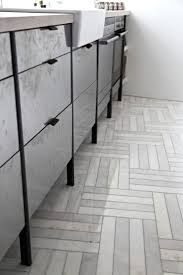 Floor Tiles For Kitchen by Best 20 Herringbone Marble Floor Ideas On Pinterest Wood