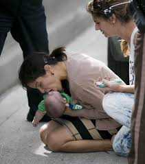 miami baby resuscitated on highway helped by news photographer
