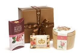 bath gift sets aromatheraphy bath gift sets pura botanica