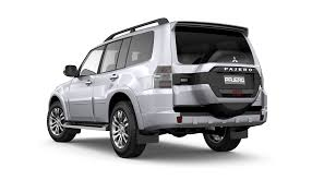 mitsubishi pajero old model mitsubishi pajero 4wd turbo diesel cars for sale mitsubishi motors