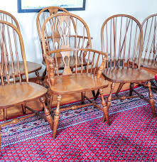 pennsylvania house oak windsor dining chairs ebth pennsylvania house oak windsor dining chairs