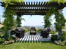 Country Backyards Pergola Plans And Gazebo Design Ideas Hgtv