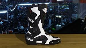 cool motorcycle boots sidi roarr motorcycle boots review youtube