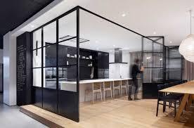 verriere interieur cuisine une verrière intérieure pour cloisonner l espace avec style