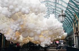 white balloons artist charles pétillon fills covent garden s piazza with 100 000