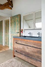 weie badmbel prachtige combinatie eiken badmeubel met een betonnen wastafel