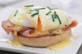 cuisine hollandaise eggs benedict with hollandaise recipe goodtoknow