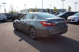 nissan altima for sale red deer used 2016 nissan altima 2 5sv accident free heated seats sunroof