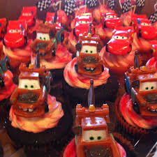 cars themed birthday cupcakes chocolate mater and white chocolate lighting mcqueen