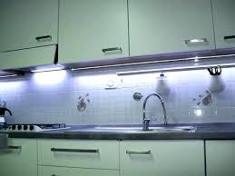 lumiere led pour cuisine ruban led cuisine spot led encastrable plafond cuisine rubans led