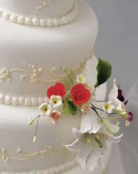 wedding cakes des moines cake pricing fleur hy vee