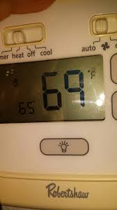 solved i have a robertshaw 8400 thermostat the screen fixya