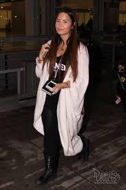 demi lovato arriving into pearson international airport oh no