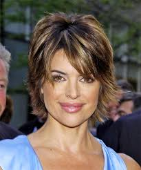 what is the texture of rinnas hair lisa rinna short straight casual hairstyle