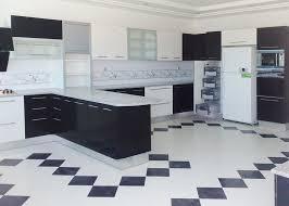 cuisine blanc noir awesome idee salle de bain 4m2 13 cuisine noir et blanc top