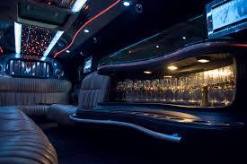 limousine lamborghini zwarte hummer limousine met vleugeldeuren huren limo exclusief