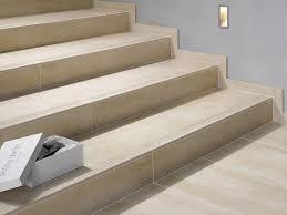 fliesen treppen treppen fliesen stufenplatten