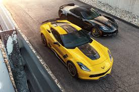 black and yellow corvette corvette z06 c7 r edition pays tribute to racing legacy