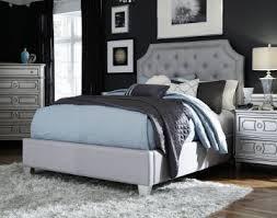 upholstered bedroom set furniture windsor 4 piece upholstered bedroom set in silver