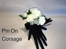 How To Make Corsages And Boutonnieres Quick Way To Make A Pin On Corsage How To Make A Wedding Or Prom