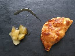 chausson cuisine chausson de pommes caramélisées on ne parle pas la bouche pleine