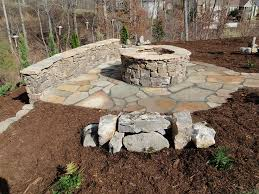 Diy Fire Pit Patio by Best 25 Stone Fire Pit Kit Ideas On Pinterest Outdoor Fire Pit