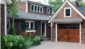 modern minimalist edar shingle house design with some natural