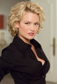 short curly hairstyles above the ear medium length wavy hairstyle for women over 30 kelly carlson s