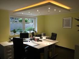 Wohnzimmer Mit Indirekter Beleuchtung Trockenbau Und Beleuchtung Zwei Fliegen Mit Einer Klappe