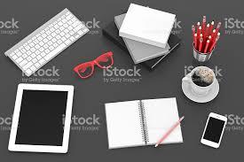 bureau d ontable photo de trucs sur la table un bureau de travail vue du haut image