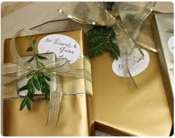 gold gift wrap last minute gift wrap ideas