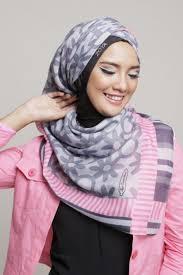 jilbab zoya til modis dengan model kerudung zoya