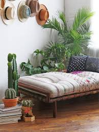 Daybed In Living Room 17 Daybeds That Don U0027t Feel Old Fashioned Daybed Famous Interior