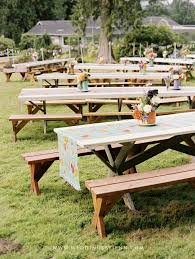 Make A Picnic Table Cover by Best 25 Picnic Table Wedding Ideas On Pinterest White Floral