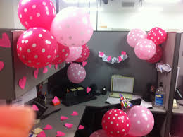 Bay Decoration Themes In Office For New Year by Best 25 Cubicle Birthday Decorations Ideas On Pinterest Office
